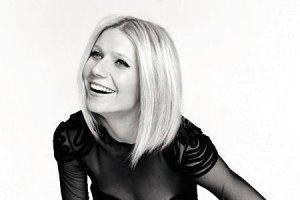 Gwyneth Paltrow gets acupuncture